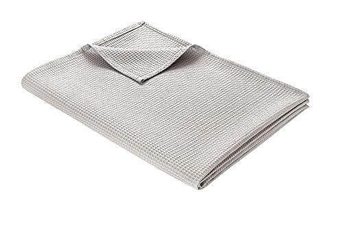 WOHNWOHL Tagesdecke 150 x 200 cm • Waffelpique leichte Sommerdecke aus 100% Baumwolle • Luftige Sofa-Decke vielseitig einsetzbar • Pflegeleichte Wohndecke • Baumwolldecke Farbe: Hellgrau