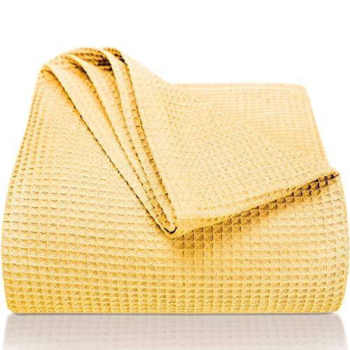 LAYNENBURG Premium Tagesdecke 150 x 200 cm - Waffelpique 100% Baumwolle - leichte Sommerdecke - Baumwolldecke als Bett-Überwurf, Sofa-Überwurf, Couch-Überwurf - luftige Sofa-Decke (gelb)